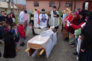 Basu pochovali so všetkými náležitosťami.