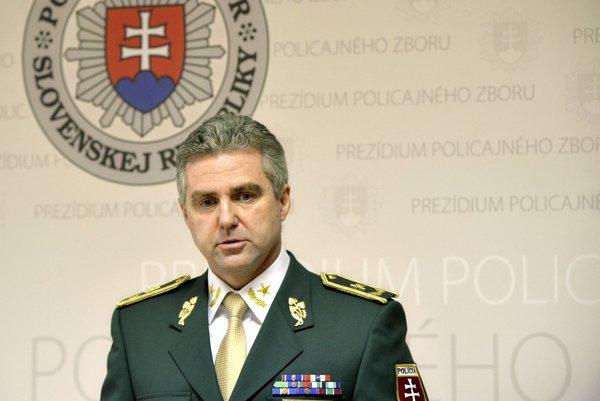 Policajný prezident Tibor Gašpar po vyhlásení odmietol odpovedať na novinárske otázky.