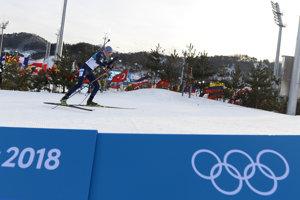 Anastasia Kuzminová bojuje na trati vytrvalostných pretekov na 15 kilometrov.