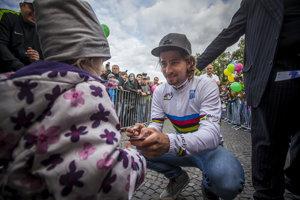 Na preplnenom námestí vŽiline sa oslavovalo víťazstvoPetra Sagana na MS.
