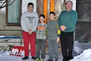 Jozef Varga sa s láskou stará o svojich vnukov.
