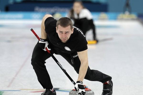 Curler Alexander Krušelnický je majstrom sveta. Na olympiáde mal pozitívny dopingový nález na meldónium.