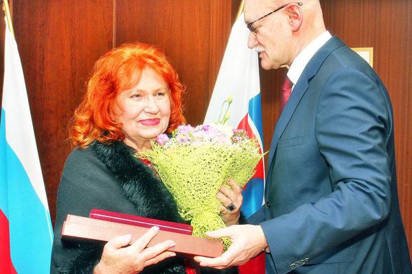 Profesorke Eve Kollárovej odovzdal ocenenie ruského prezidenta ruský veľvyslanec.