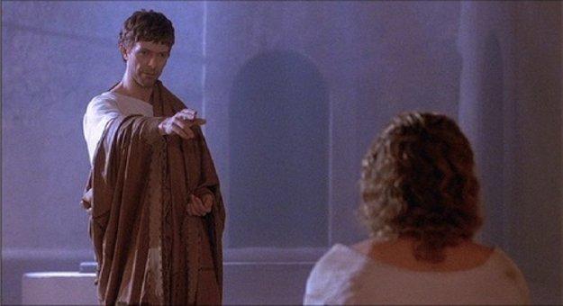 David Bowie ako Pilát, Willem Dafoe ako Ježiš vo filme Posledné pokušenie Krista.