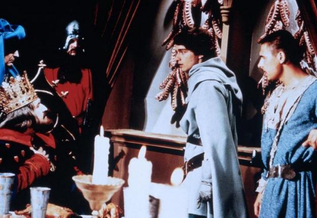 S Plavčíkom ako jeho kamarát Otlak prechádza v rozprávke Plavčík a Vratko viacero krajín, sužovaných zvláštnymi kliatbami.