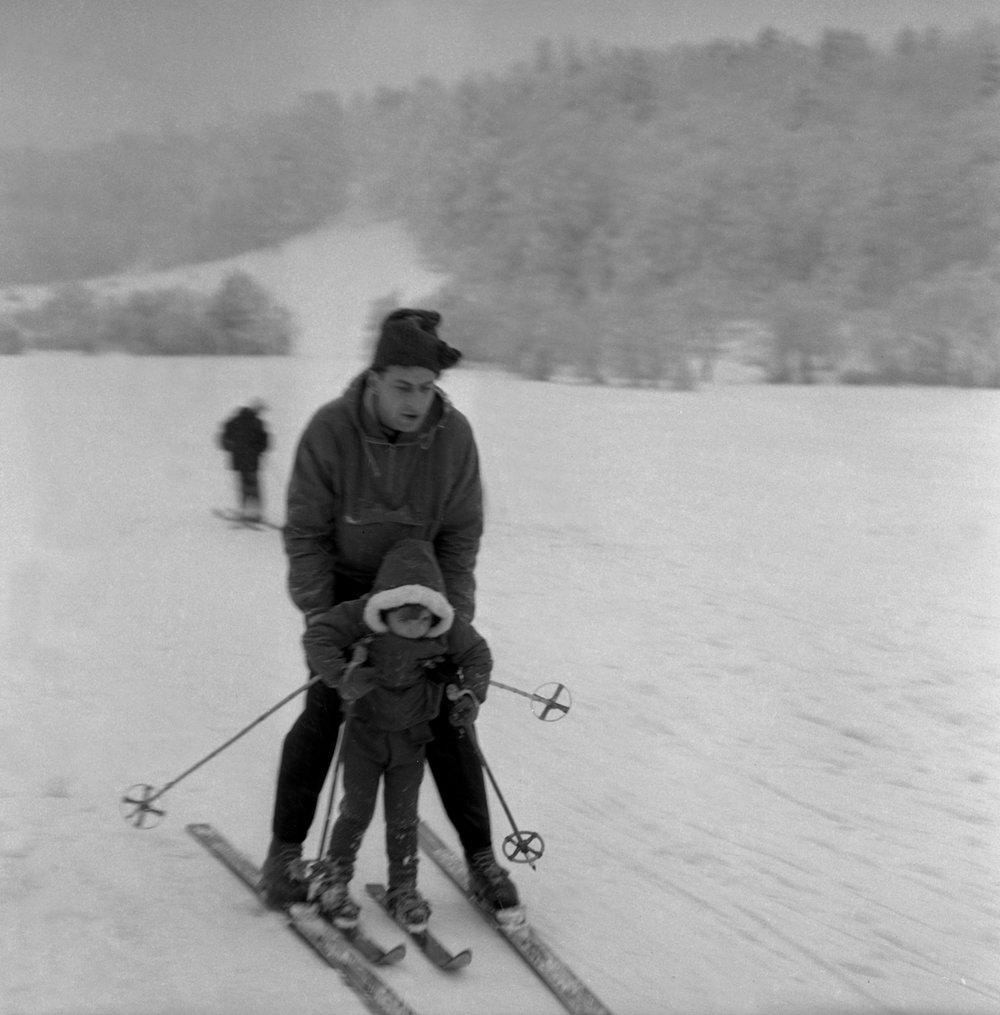 Na archívnej snímke z 9. januára 1965 stredisko zimných športov Košičanov - Jahodná.