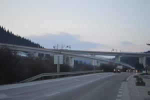 Úsek D3 Skalité – štátna hranica postavili ešte v roku 2005, nebolo však možné ho sprejazdniť, keďže nebol napojený na cestnú sieť.