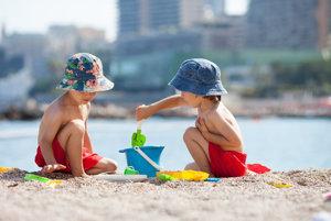 Dovolenka. Pláž. Deti