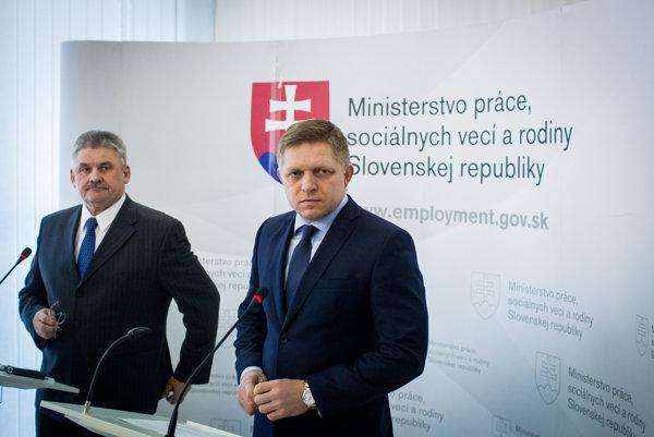 Premiér s ministrom Richterom hovorili o nezamestnanosti.