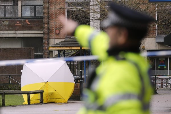 Briti žiadajú od Rusov vysvetlenie útoku na bývalého ruského agenta.