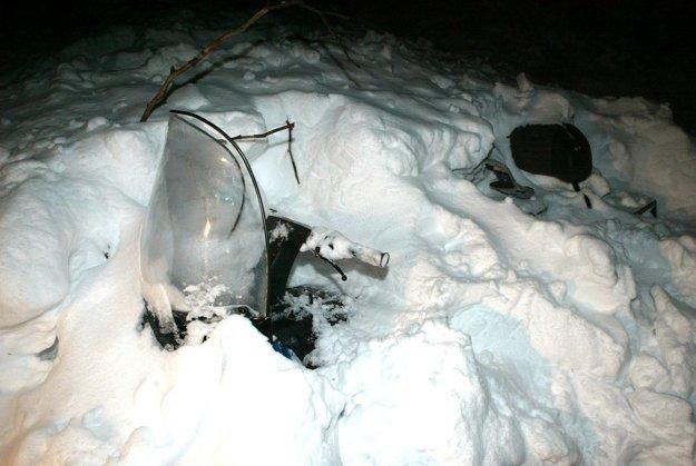 Vo februári 2005 sa stalo nešťastie pri Hornom Jelenci. Na neobvyklom mieste sa zo strmého svahu zosypala lavína rovno na manželský pár na skútri. Neprežil ani jeden z nich.