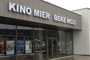 MEstu kultúry sa isto hodí aj zrekonštruované kino Mier.