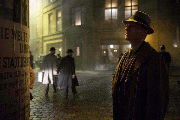 Babylon Berlin (TV seriál) - predloha Mokrá ryba (Volker Kutscher)