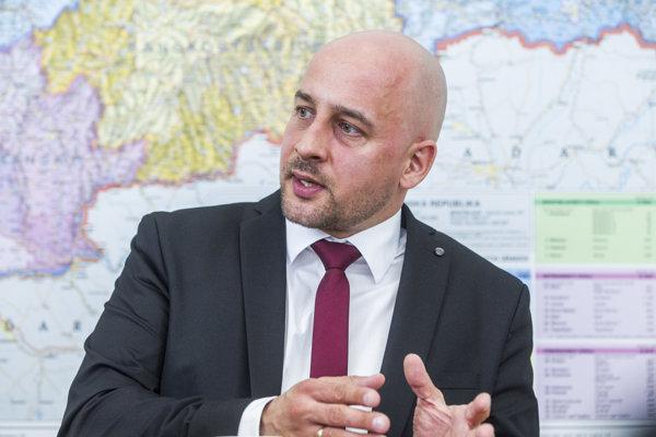 Šéf SMK József Menyhárt.