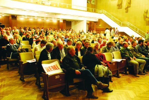 Na septembrovom stretnutí bolo kultúrne stredisko plné.