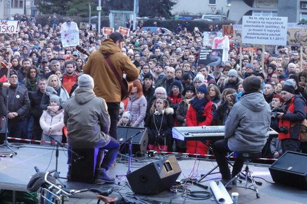V piatok prišli na zhromaždenie v Nitre tisícky ľudí.