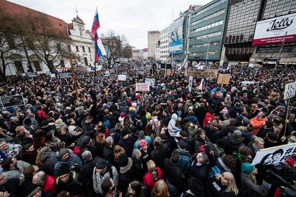 Zhromaždenie v Bratislave.