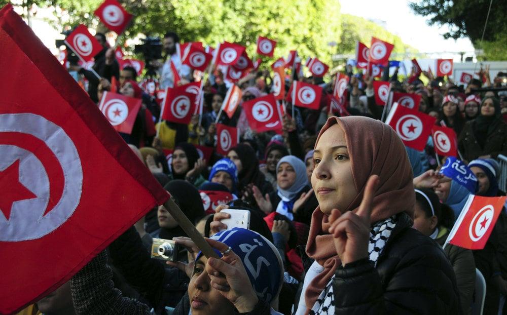 Tunisko si pripomína úspešnú revolúciu z roku 2011.