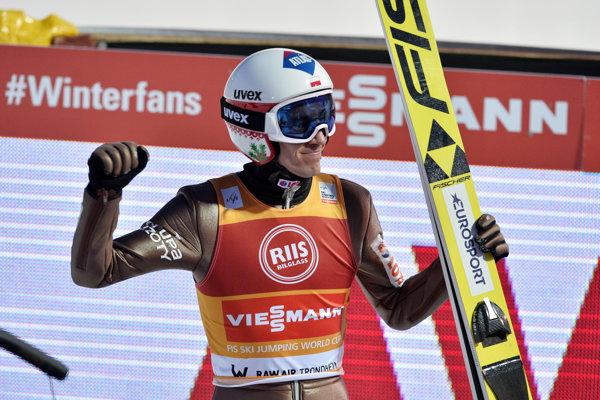 Kamil Stoch druhýkrát v kariére ovládol Svetový pohár.