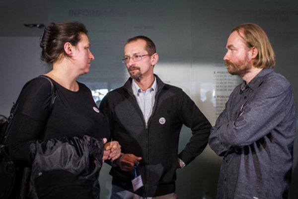 Predstavitelia iniciatívy slovenských učiteľov.