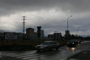 Tento priechod pre chodcov je v Košútoch slabo osvetlený.