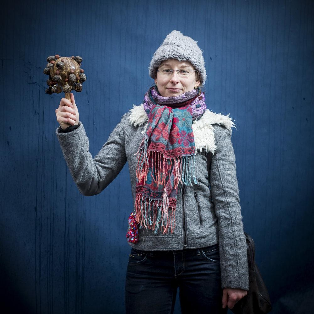 Monika učí dva roky vBratislave, jej mesačný príjem je päťstoštyridsať eur.