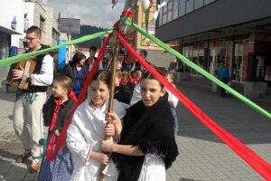 Tradíciu vynášania Moreny chcú zachovať aj kysuckí múzejníci.
