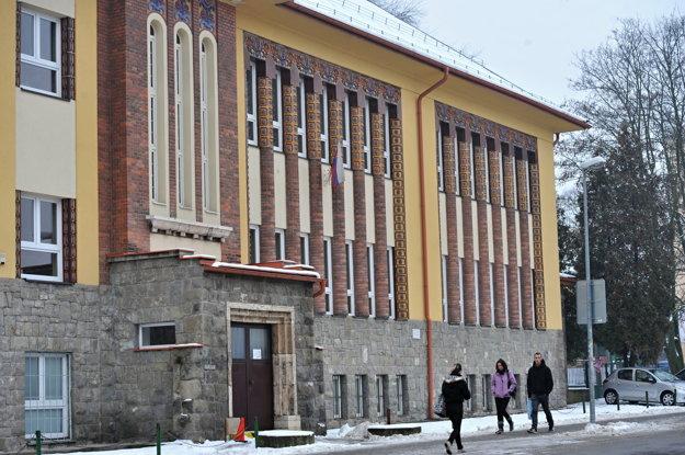 Zatvorená Cirkevná ZŠ Romualda Zaymusa v Žiline.