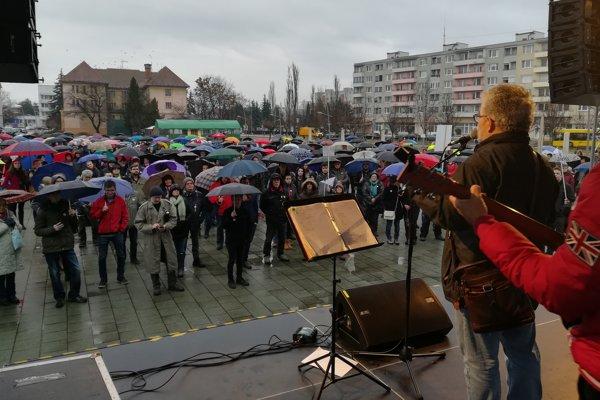 Protestné zhromaždenie v Lučenci.