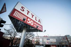 Nákupná pasáž s nábytkom a bytovými doplnkami Styla na Zlatých pieskoch v Bratislave