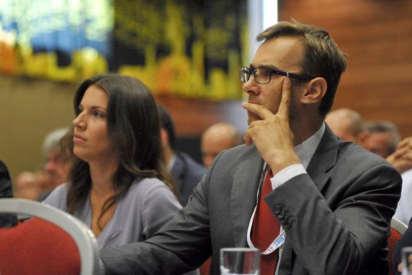 Martin Fedor a Katarína Cséfalvayová, členovia Zahraničného výboru NR SR.
