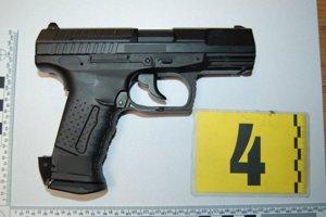 Zbraň poslali policajti na expertízu.