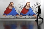 Andy Warhol v závere tvorby vytvoril viacero interpretácií slávnej Poslednej večere Leonarda da Vinci. Zanietenosť, s akou sa témam kresťanskej ikonografie venoval, poodhalila jeho skrytý duchovný život, o ktorom sa svet dozvedel až po jeho smrti z denníkov.