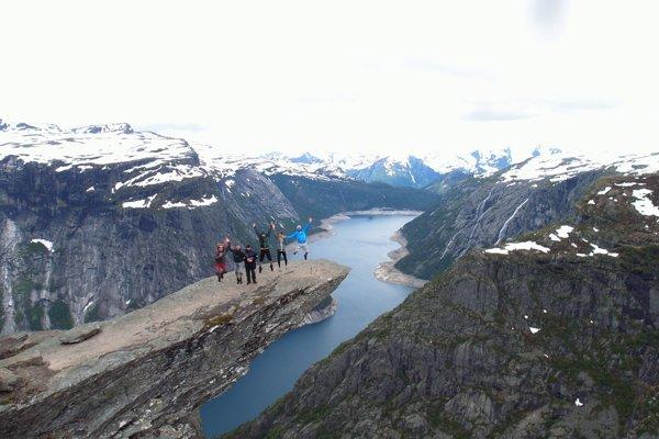 Jedna zo zimných ciest zaviedla Náročných k nórskym fjordom.