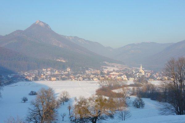 ilustračné foto - Pohľad na Muráň v zime