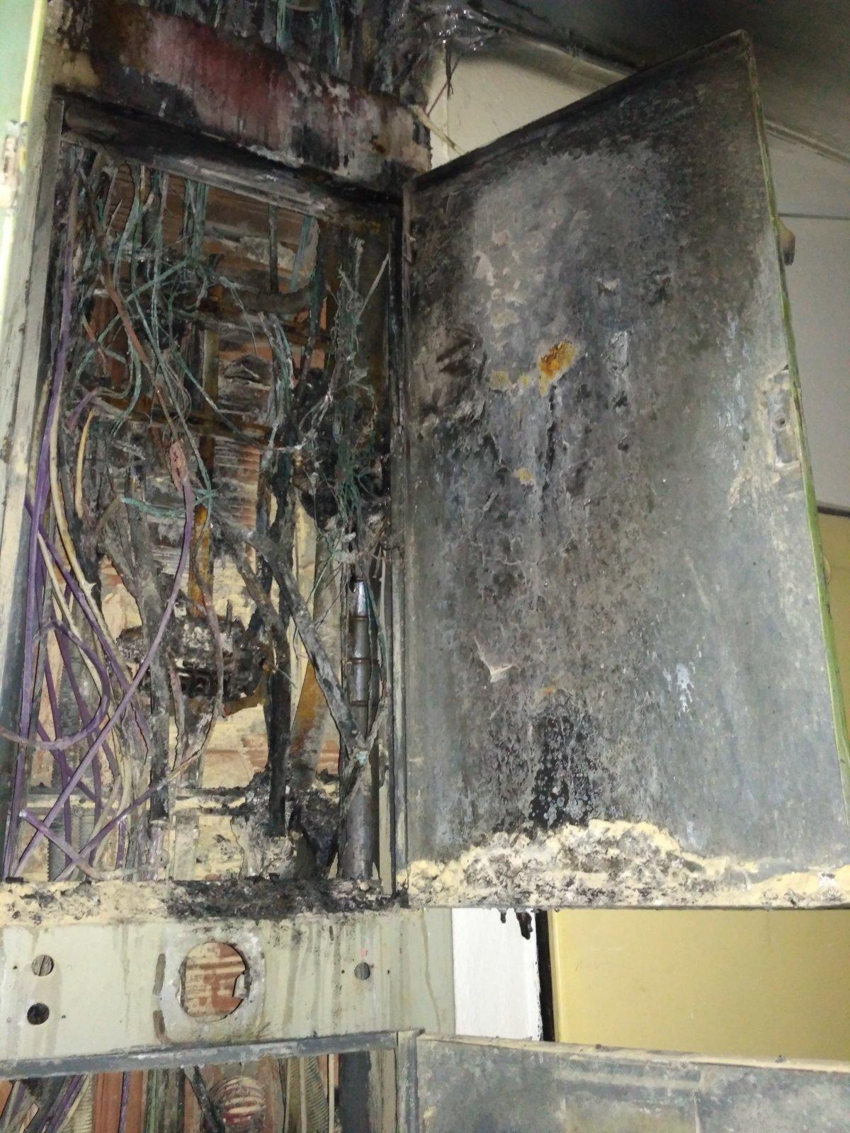 Spúšť po požiari košickej bytovky. Ľudia ostali bez elektriny aj ... 2f542f00d5