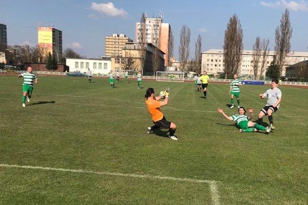 Papcún strieľa úvodný gól TU Košice.