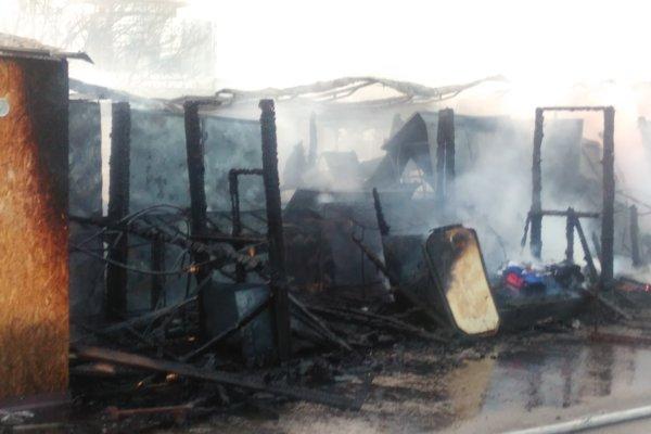 Zhorela časť martinskej tržnice.