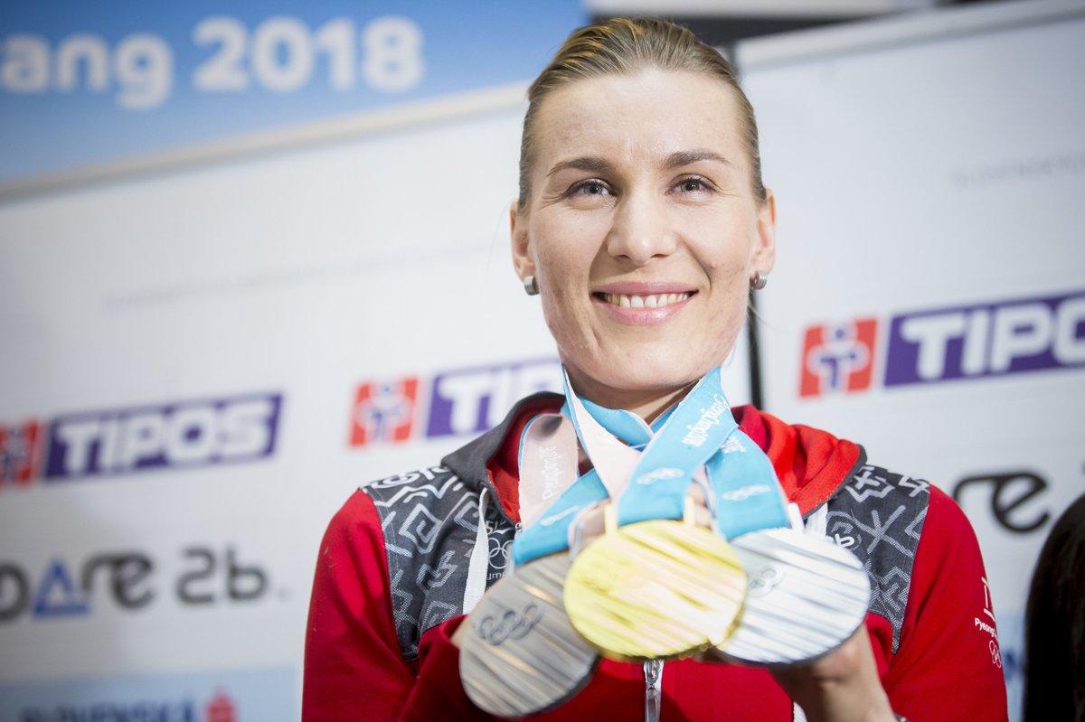Olympijská medailistka v biatlone zo ZOH 2018 Anastasia Kuzminová počas  tlačovej konferencie po jej návrate zo 7ce80ee52be