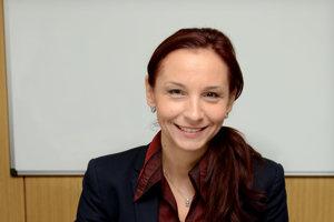 Poslankyňa národného parlamentu Alena Bašistová na otázky do uzávierky neodpovedala.