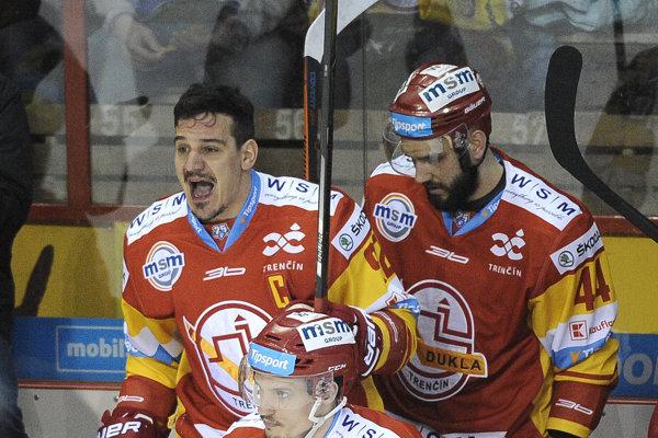Branko Radivojevič (vľavo) patrí k najemotívnejším hráčom Tipsport ligy.