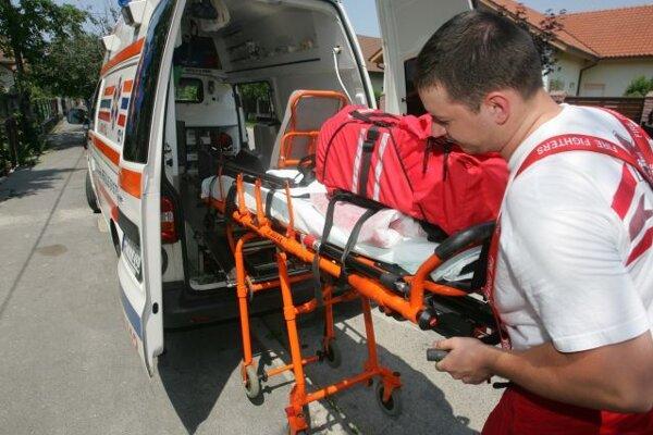 Od 1. februára došlo k redukcii počtu lekárskych posádok ZZS. V Kysuckom Novom Meste zrušili stanicu rýchlej lekárskej pomoci.