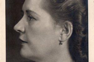 Mária Urbasiówna-Holoubková.