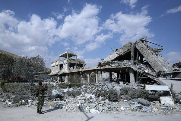 Koaličné nálety zničili objekty na výrobu chemických zbraní.