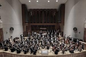 Orchester Štátnej filharmónie Košice sa predstaví v záverečnom koncerte.