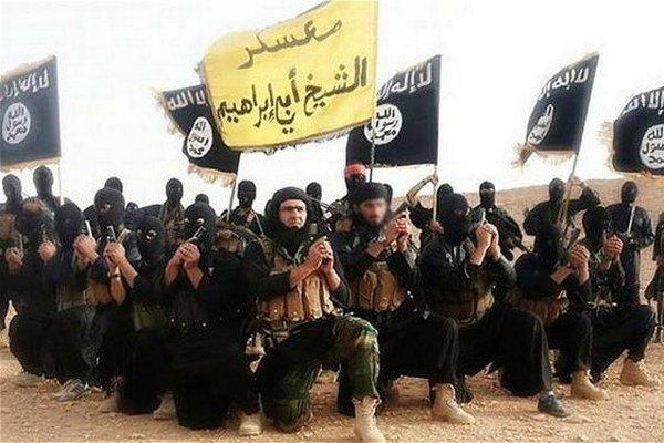 Bojovníci Islamského štátu v ich lepších časoch.