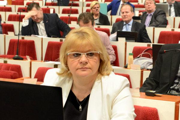 Aj poslankyňa Iveta Kijevská chce viac informácií.