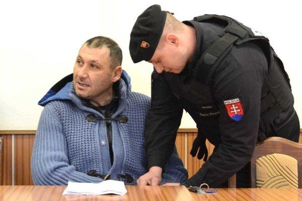 Antoninovi Vadalovi pomáhali podľa podozrenia polície v pašovaní drog michalovskí colníci.