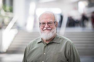 Profesor Bebo White (73) stál pri zrode webu.