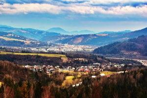 Pohľad z Oščadnice smerom na Krásno nad Kysucou.